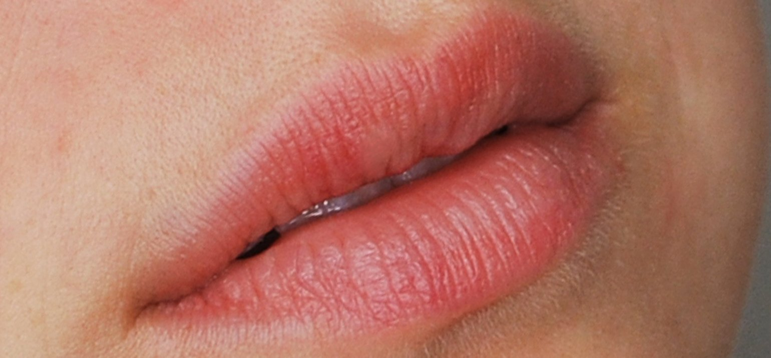 Aquarel lips permanente make-up na behandeling